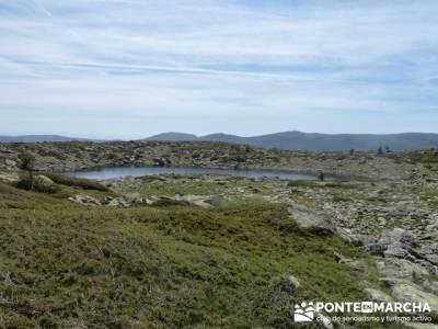 Ruta senderismo Peñalara - Parque Natural de Peñalara - Laguna Claveles; grupo pequeño senderismo